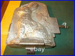 1930s Made In The United States Rabbit Choclate Chicken Mold 3 Hinges Brass End
