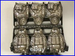 Antique Chocolate Mold with 3 Eskimo/ Inuit Figures Unmarked Heavy Hinged