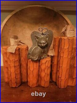 Antique chocolate mold Anton Reiche Dresden Cat #28