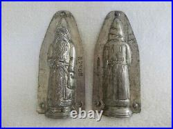 Chocolate Mold/178 Anton Reiche Father Christmas Hand in Front Holding Bag